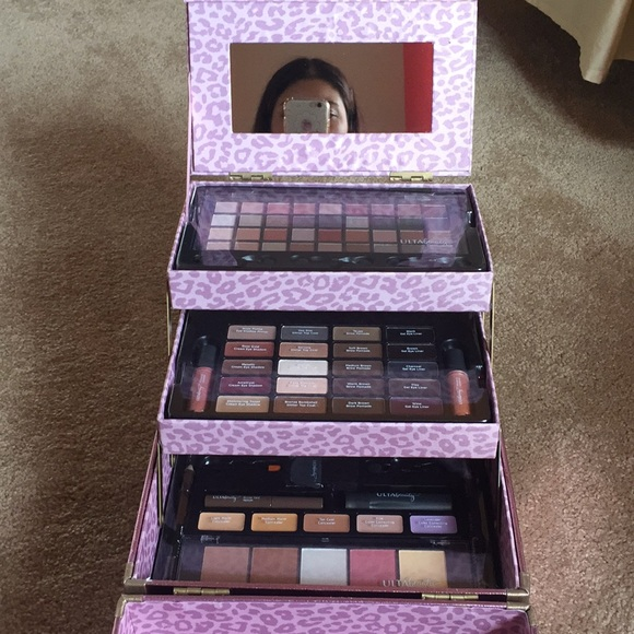 Ulta Beauty Pretty \u0026 Polished 72 Piece Makeup Kit NWT